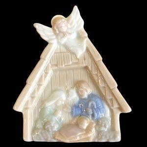 Vintage Porcelain Nativity Night Light Wall Plug
